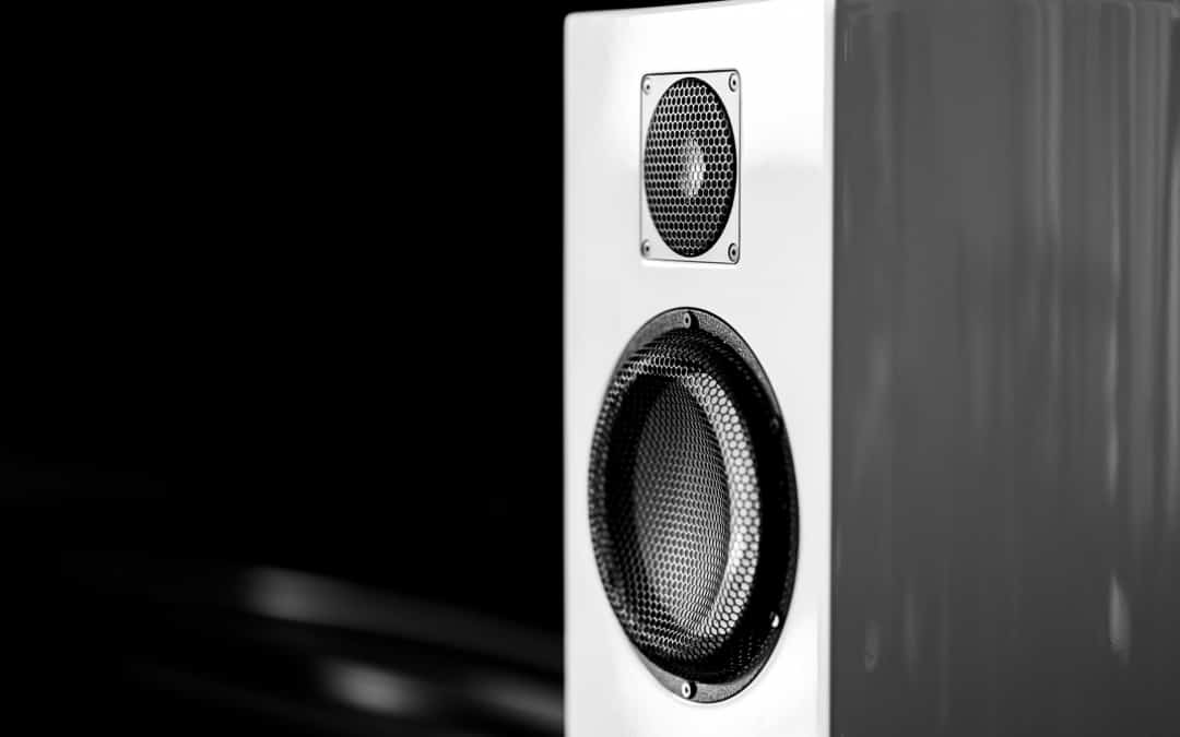 Can Bookshelf Speakers Be Used as Front Speakers?